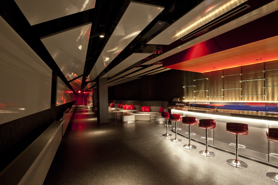 Descent Bar at the W